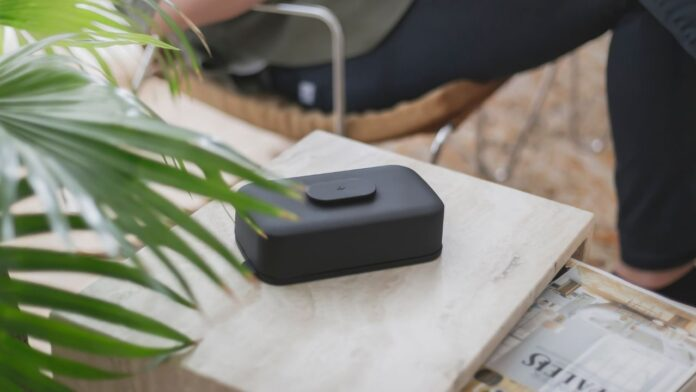 Stolp - Unplug and be fully present with those around