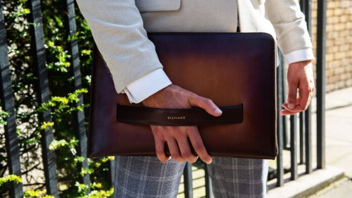 Silviano - The worlds Smartest laptop Sleeve